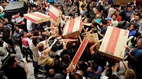 Граждане США потратили рекордную сумму наонлайн-распродажах в«черную пятницу»